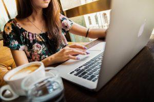 仕事占い|現職に留まる?or転職する?あなたの今の市場価値と将来