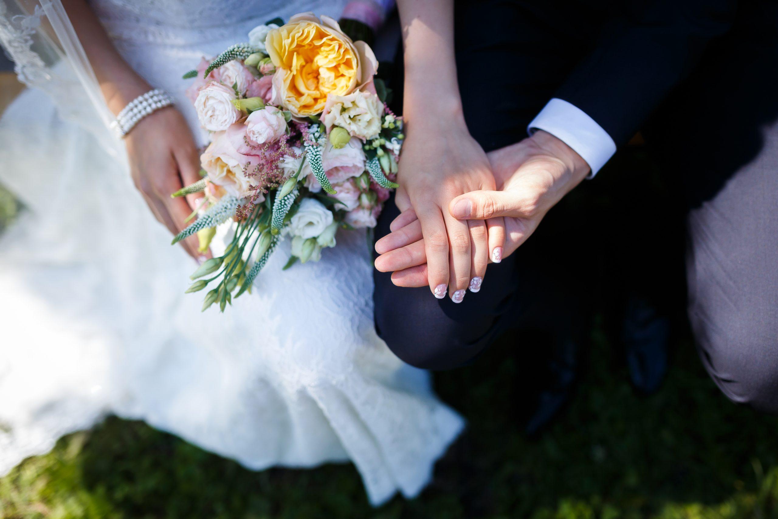 恋愛占い|交際中の相手で本当にいいの?結婚したら幸せになれる?