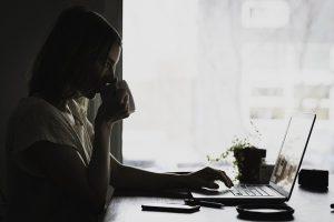 仕事占い|仕事変えたら楽になる?あなたの転職メリット&デメリット