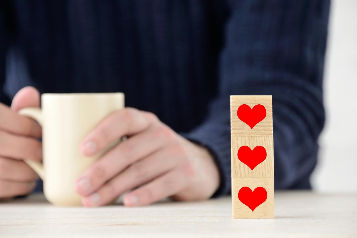 恋愛占い 情欲、独占欲、秘密…あの人があなたに抱く3つの感情