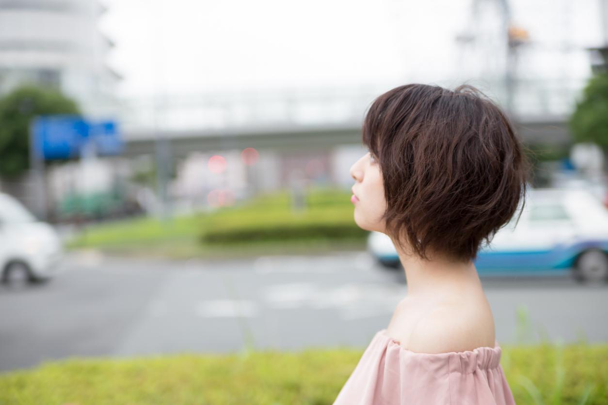 ※閲覧注意※【ホラー心理テスト】封印してきた過去の傷がわかる「覗く女」