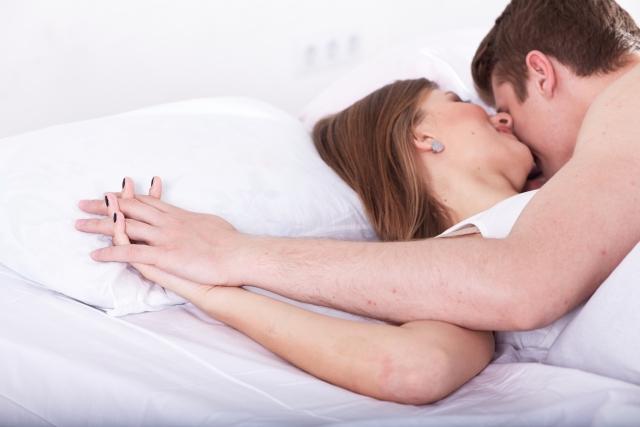 恋愛占い|付き合う前のセックス…あの人はアリだと思っている?