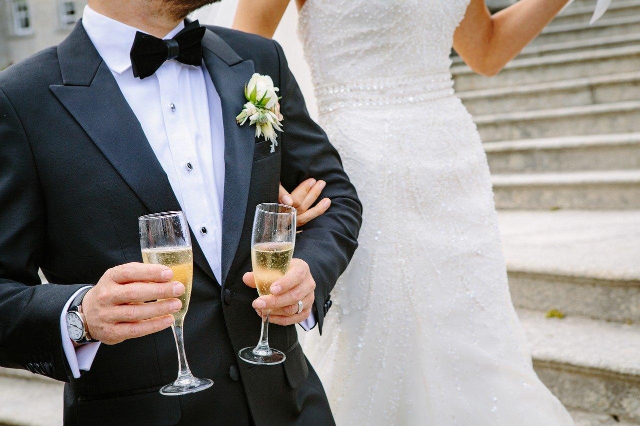 穴口恵子の占いで、婚期も結婚相手の名前も当てられた! なる早で結婚したいあなたへ