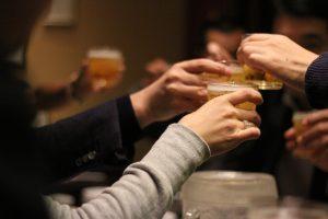 【12星座別】お酒の席でモテるのは…ズバリ何座?あなたの星座は…