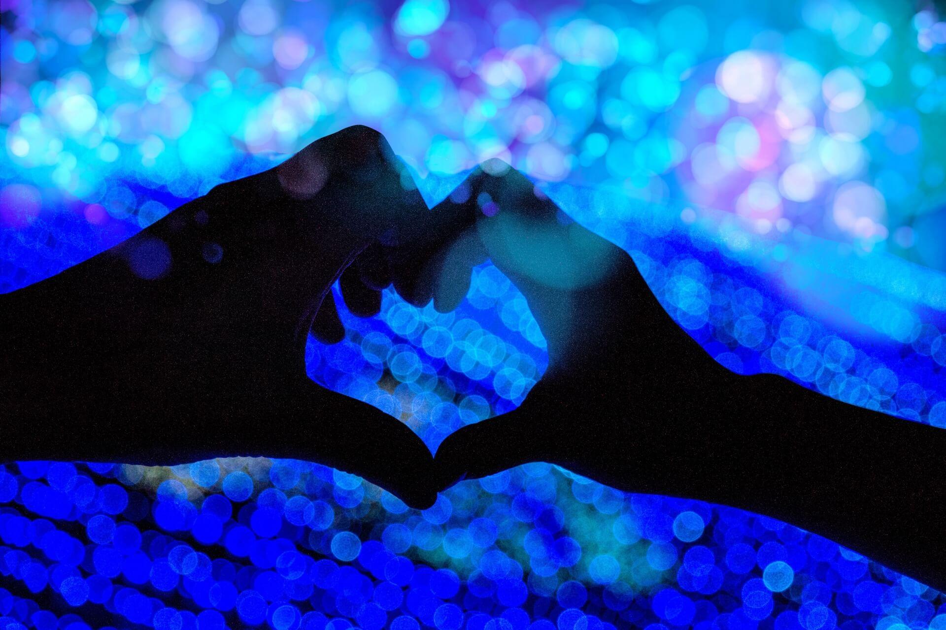 恋占い|クリスマス、お正月…これから三ヶ月で二人は親密になれる?