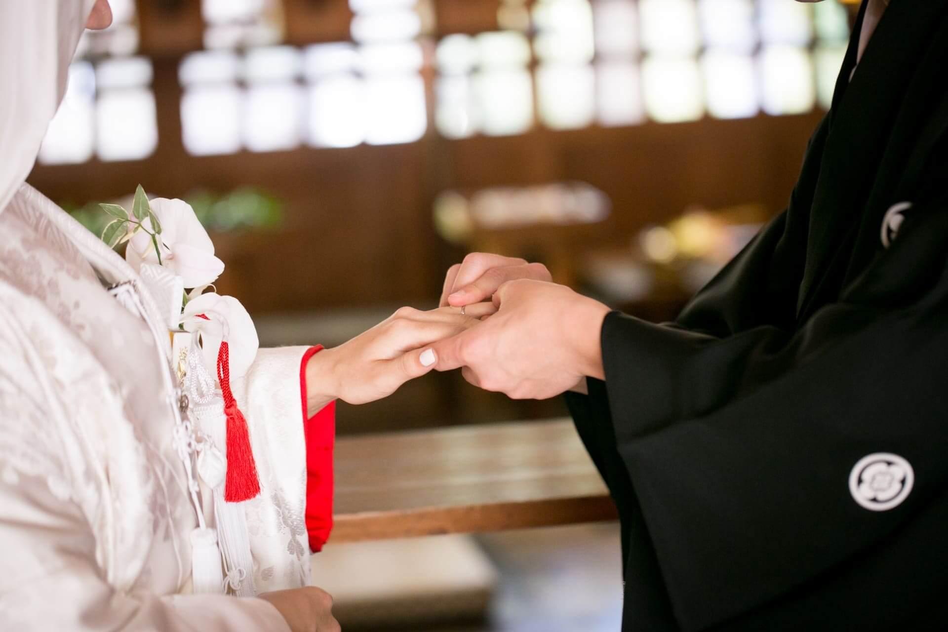 水晶玉子の結婚占い|交際、プロポーズ…あなたの幸せ結婚の全貌公開