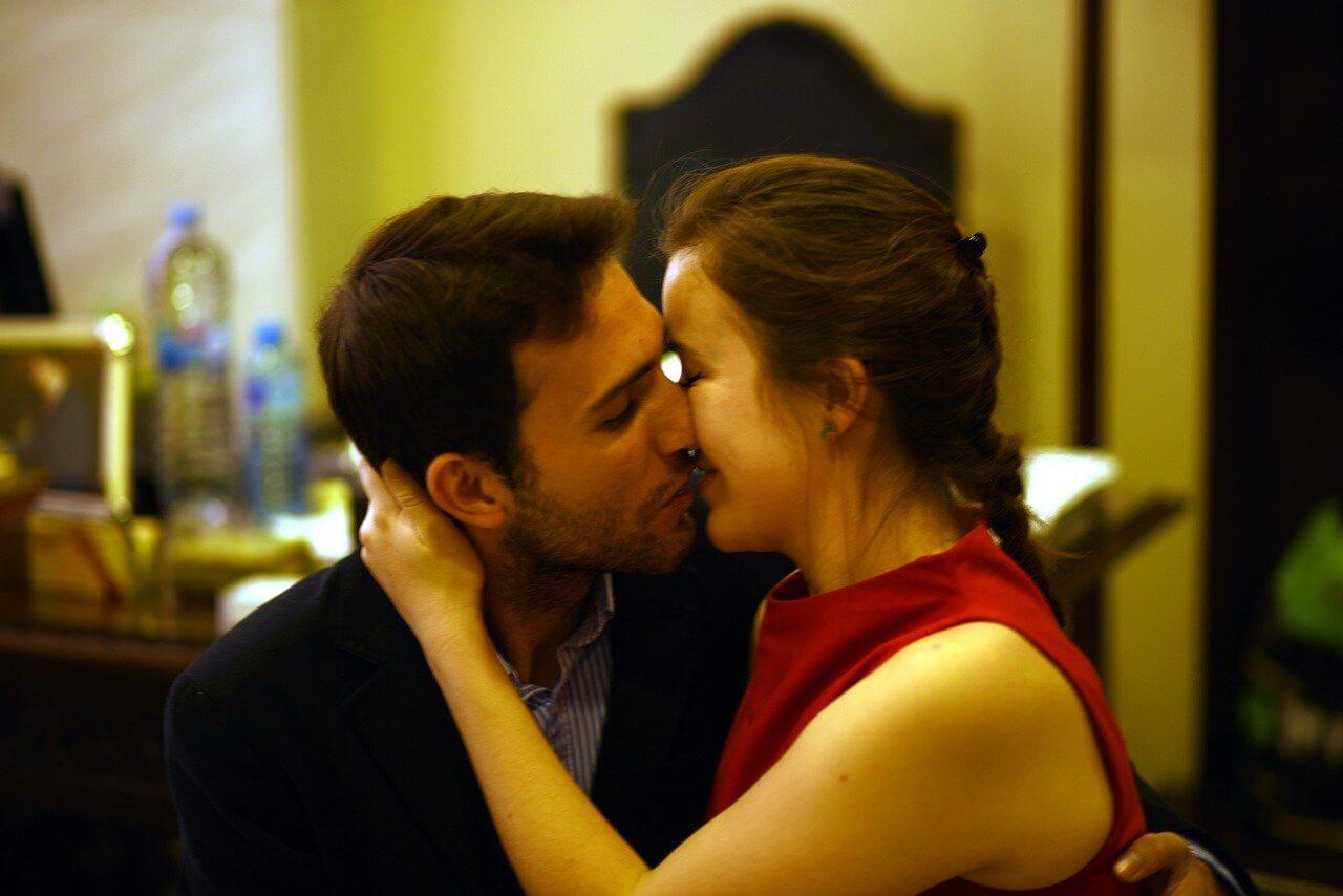 片思い占い|あの人から誘惑…セックスしたら二人の関係は進展する?
