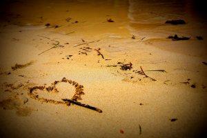 LoveMeDo不倫復縁占い|別れた不倫相手の未練、将来的にどうなる?