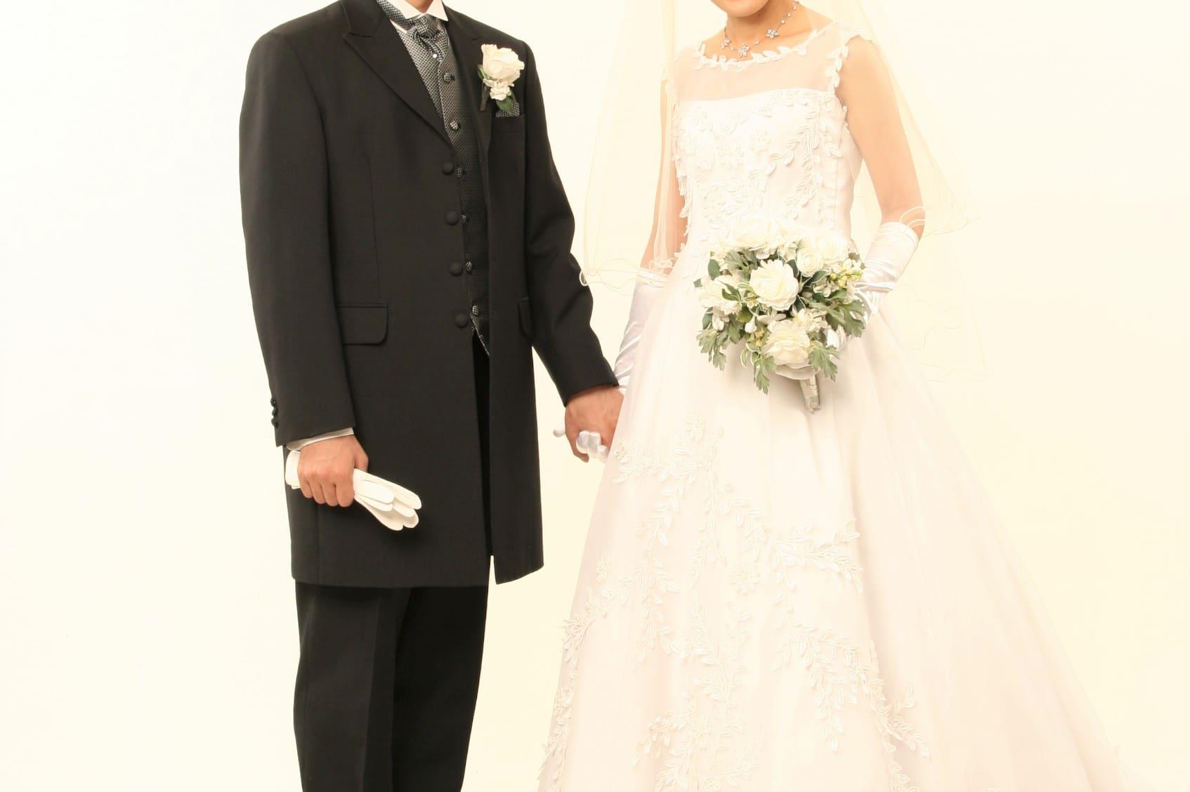 未来の結婚相手占い|あなたが結婚する相手の名前・年齢・外見・職業
