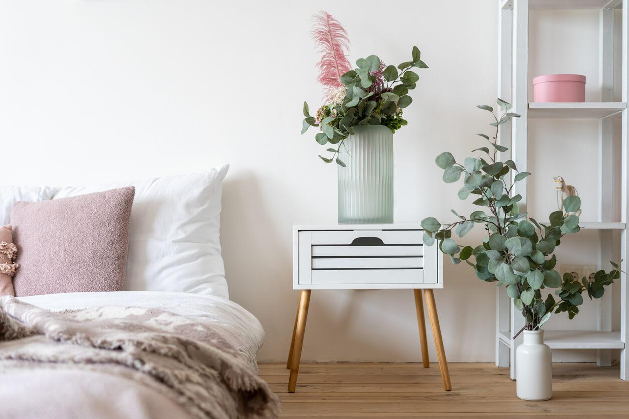 運気アップ【裏技風水】寝室に観葉植物を置くだけで開運。その効果を紹介!