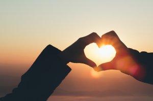 当たる恋愛占いまとめ10選【無料】相性、あの人の気持ち、片思い、恋愛運