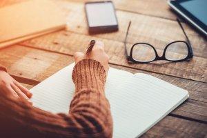 「新月の願い事」で夢を叶える方法◆失敗しない書き方、どうすれば効果的?