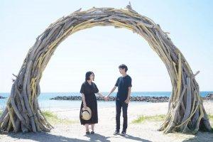 【無料占い】水晶玉子が占う≪2021年夏の恋愛運≫あの人と交際できる?