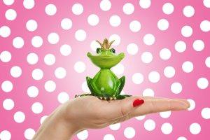 蛙化現象|好きな人を「気持ち悪い」と感じてしまうのはなぜ?特徴・治し方