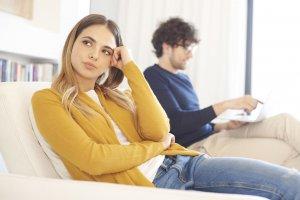 好き避けしてしまう人の心理を解説。好き避けとは?どんな行動を取りがち?