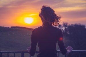 夢占い|夕日の夢の意味は?危険な暗示、運気が下がる凶夢かも?
