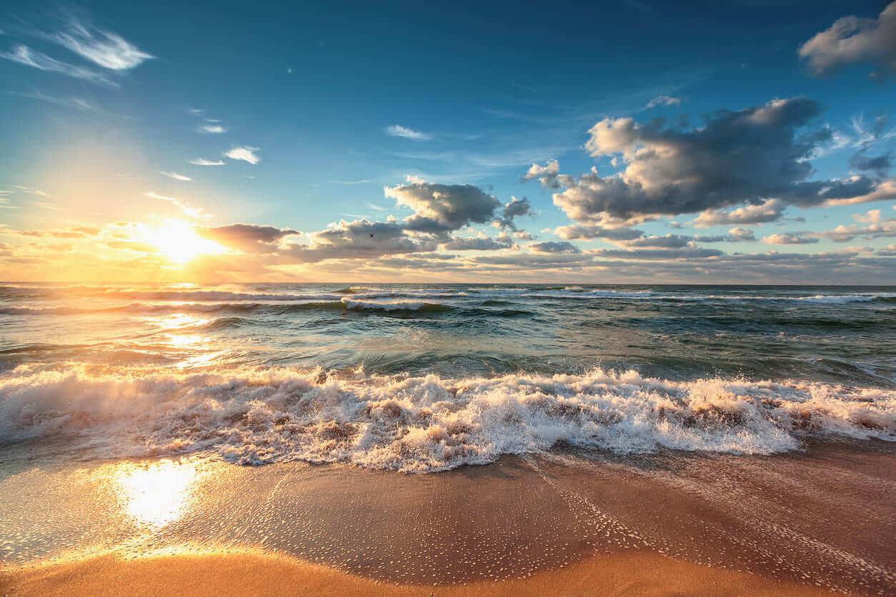 夢占い 海の夢の意味は?海の状況で異なる、あなたの運気・心理